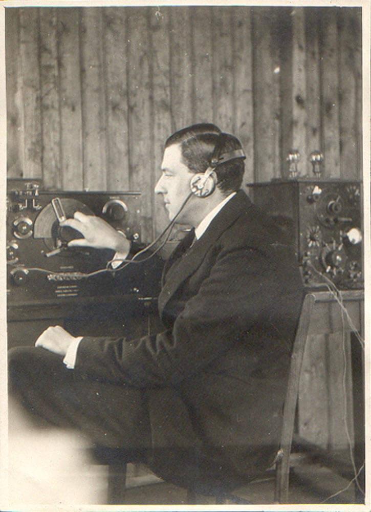 1921 Παρίσι Πλωτάρχης Μαθητής Ecole Superieure d Electricite