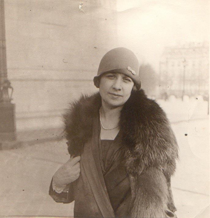 1926 - Μαργαριτα Μεζεβίρη Παρίσι
