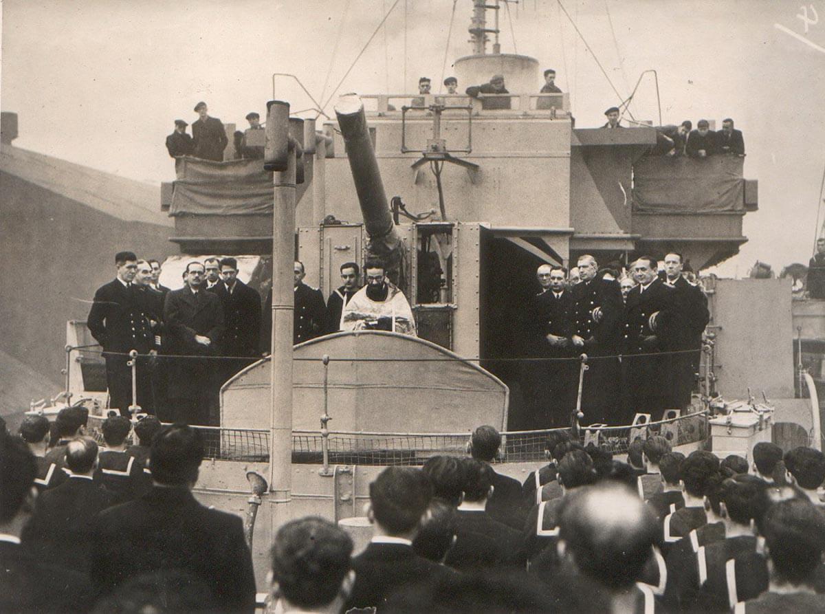 1943 C Λίβερπουλ Ύψωση Ελληνικής Σημαίας στην Κορβέτττα ΚΡΙΕΖΗΣ