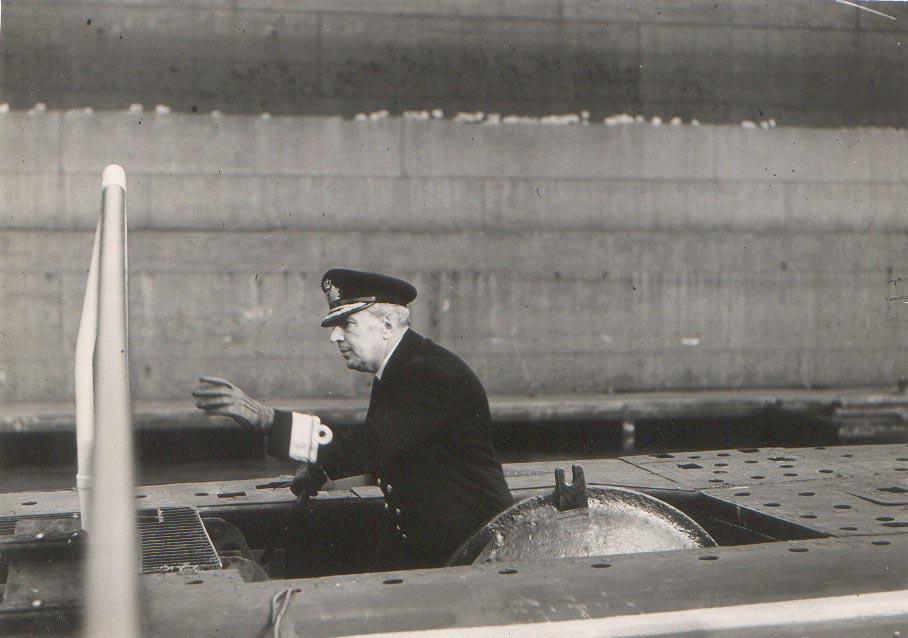 1943 D Υποναύρχος επί ΠΙΠΙΝΟΥ