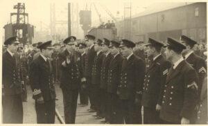 1943-Mezeviris-reviewing-PIPINOS-crew-